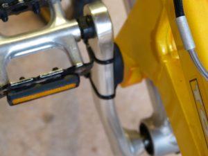 wahoo cadence sensor on pedal arm 02