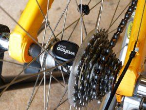 wahoo speed sensor on hub 02
